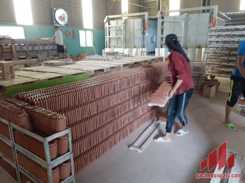 Sản xuất ngói âm dương