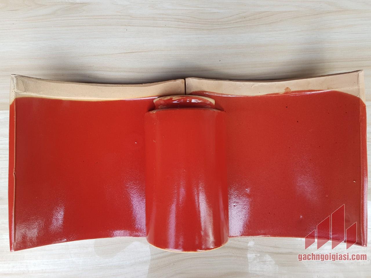 Ngói âm dương màu đỏ